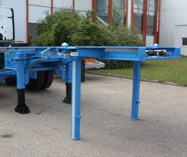 Chassis-porte-conteneur-20ft-bequille